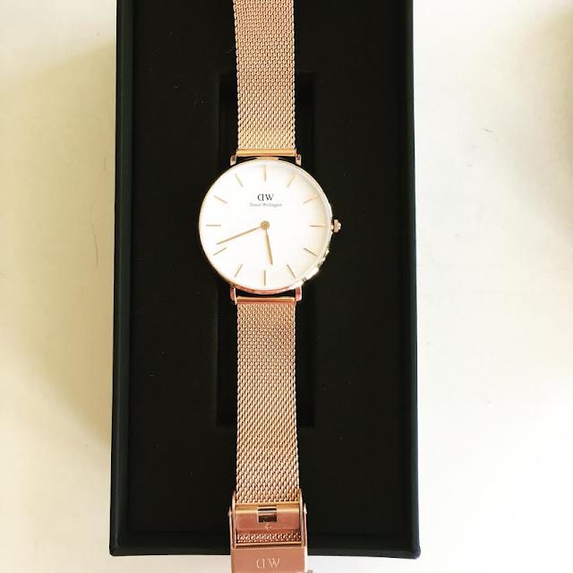 A marca sueca Daniel Wellington ofereceu-me este fantástico relógio (Classic Petite Melrose) e esta bracelete, ambos em ouro rosa. Style Statement. Blog de Moda Portugal