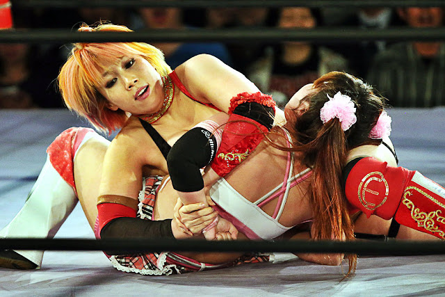 Kana (Asuka) punishing Rabbit's arm