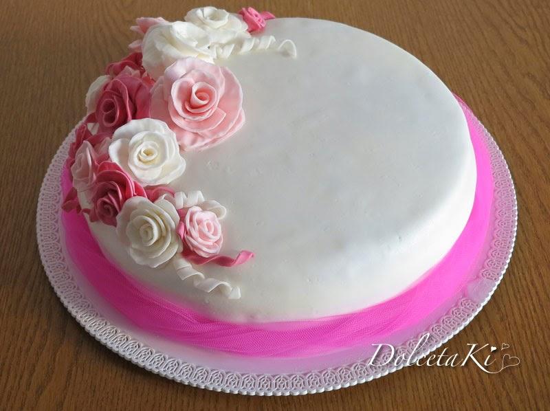 Dolcetaki: Torta con rose bianche rosa e fucsia