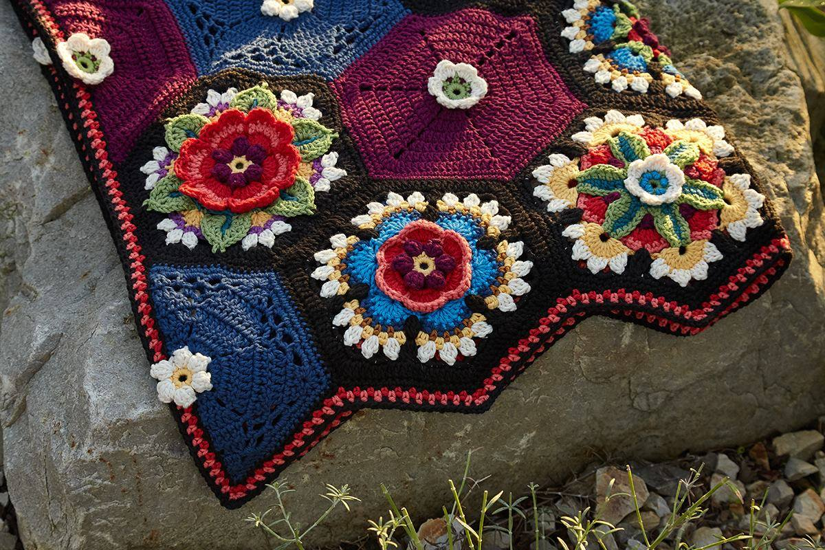 Crochet Between Worlds Giveaway Frida S Flowers Cal