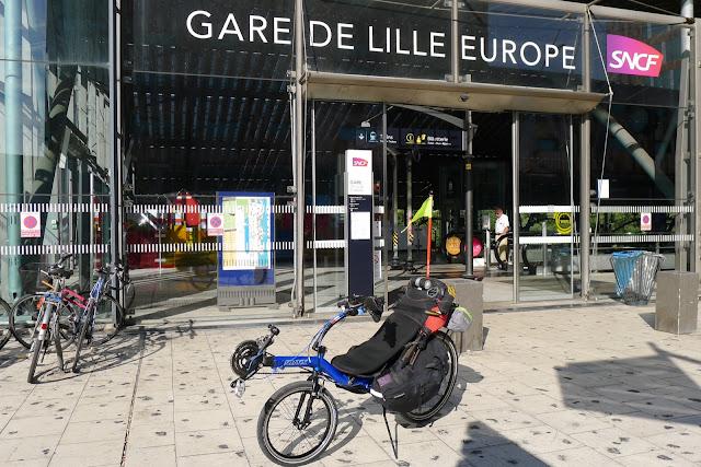 Tour de la Belgique en vélo, gare de Lille Europe
