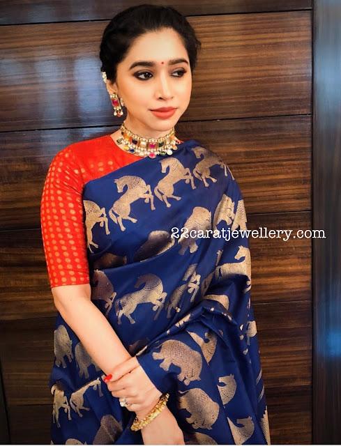 Aarthi Ravi in Navaratan Necklace
