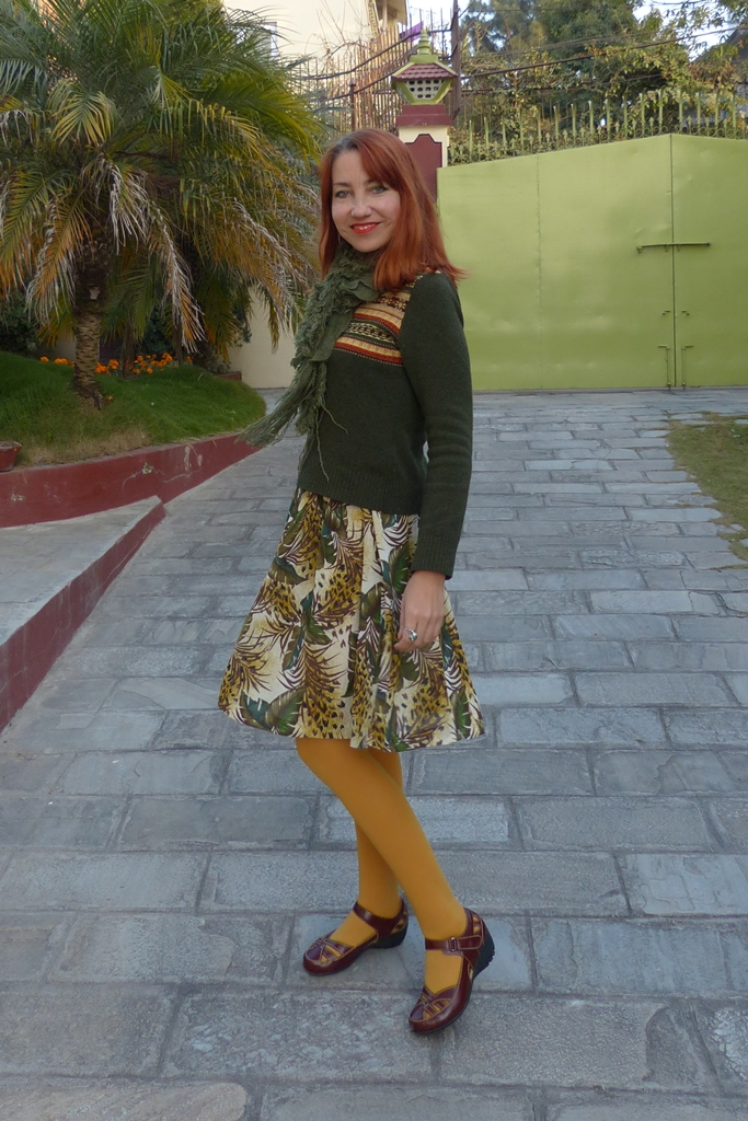 Woolen sweater with printed skirt