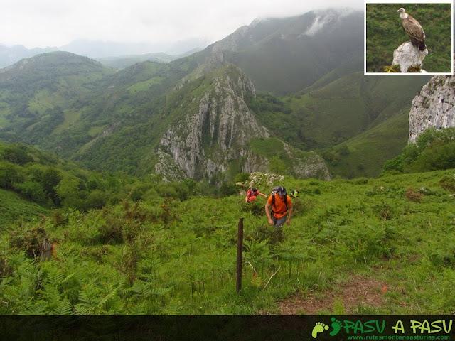 Subiendo al Valle de Fuente Barredo