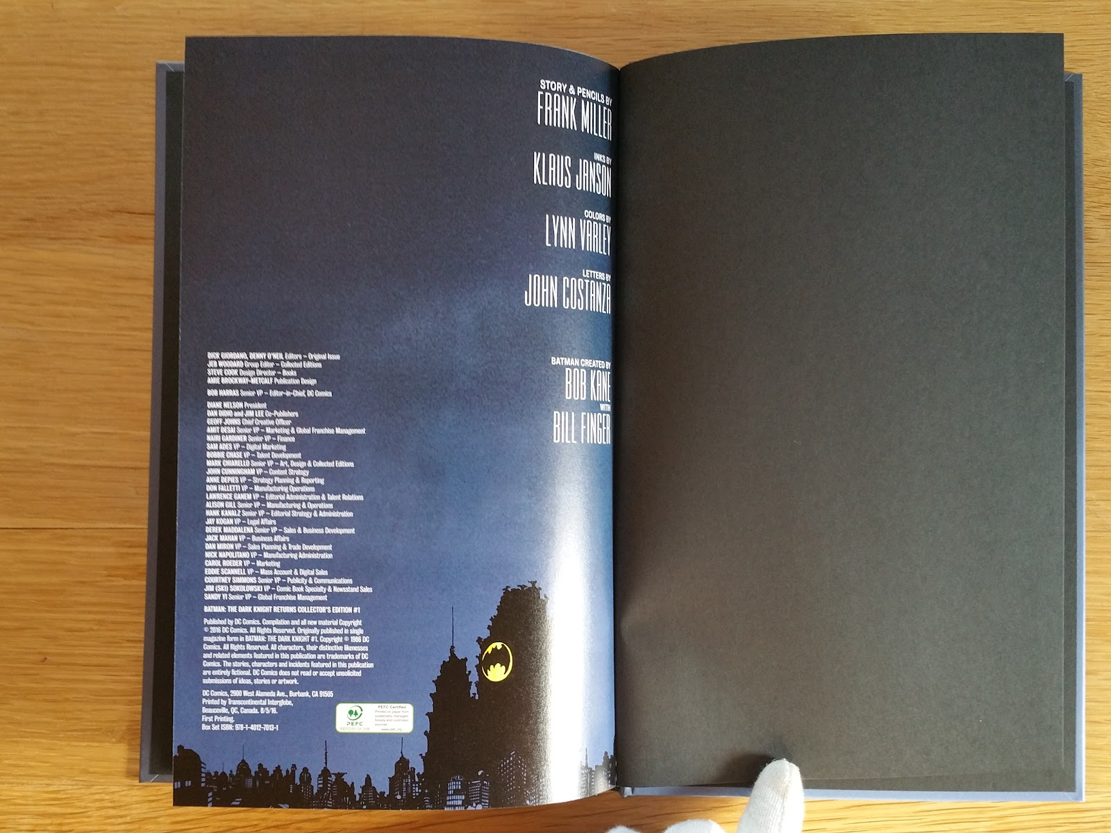 dark knight iii collectors edition slipcase