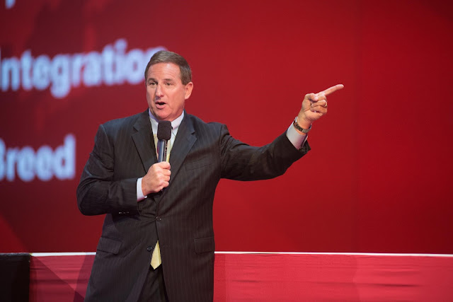 Ceos Leading The World Into The Cloud: Mark Hurd
