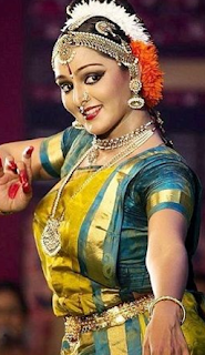 Manju Warrier age, dance, daughter, photos, movies, house, new movie, marriage, meenakshi, facebook, hot, latest news,  actress, dileep, family, new film, date of birth, upcoming movies, wedding