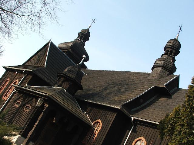 Kościoły, pałac i miejsce pamięci