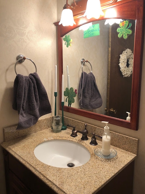 Ideas on how to decorate the interior of your home for St. Patrick's Day.