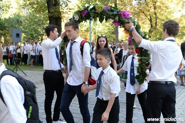 Új iskolavezetéssel kezdődött el a tanév a Debreceni Egyetem Kossuth Lajos Gyakorló Gimnáziumában és Általános Iskolájában.