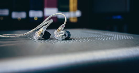 First Listen: Shure SE215 Sound Isolating Earphones Review