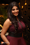 Actress Manjima Mohan Stills-thumbnail-14