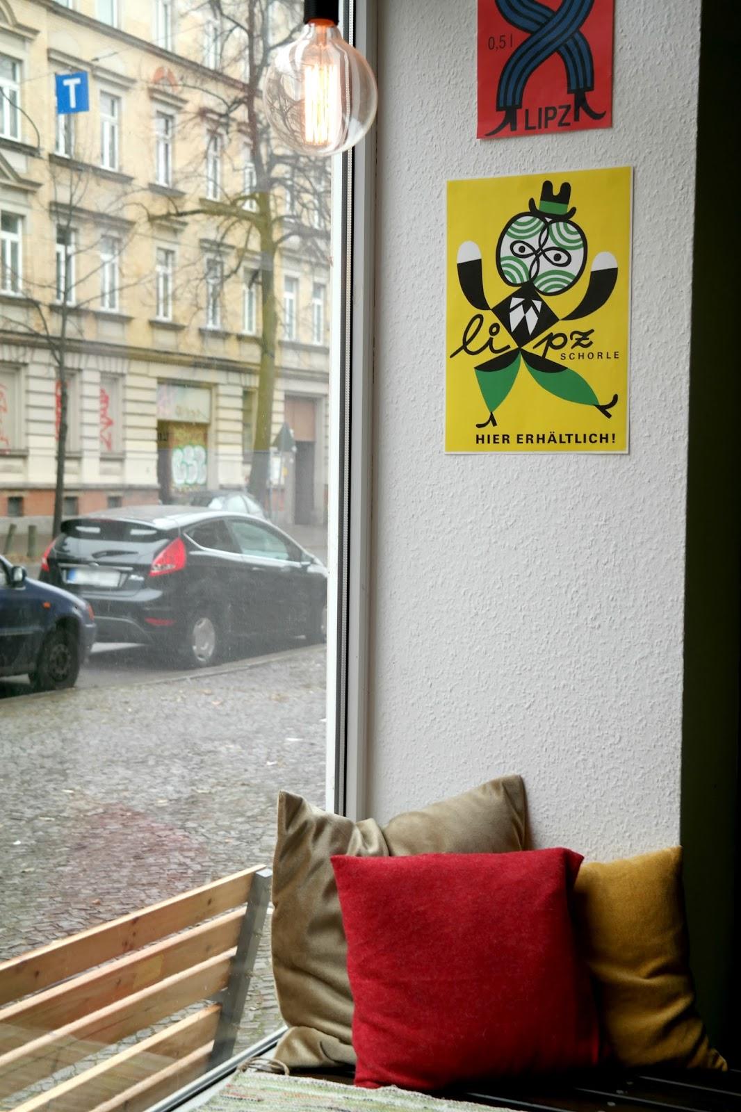 Gemütliches Café Nix Tonne