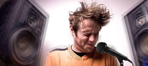 Cách chỉnh micro không dây không bị hú rè khi hát karaoke