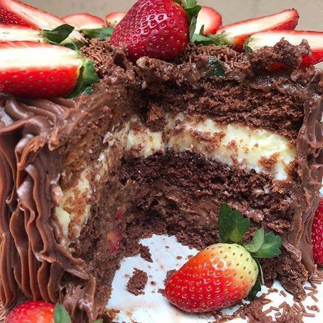 Strawberry Truffled Cake Recipe