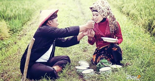 Bahagiakan Istrimu, Maka Rezeki Akan Mengejarmu, Para Suami Bacalah!