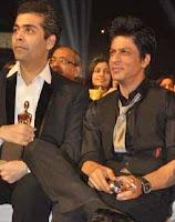 Shahrukh Khan merokok selama acara penghargaan layar star