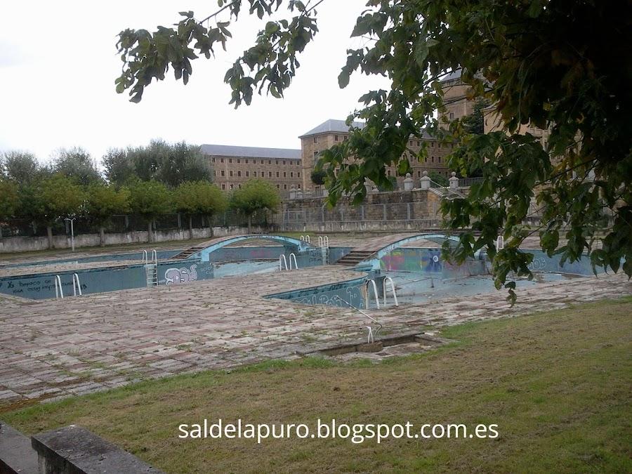 piscina-universidad-laboral
