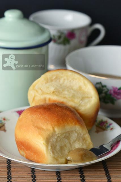 Kopitiam Milk Buns with Express mircowave Caramel Kaya