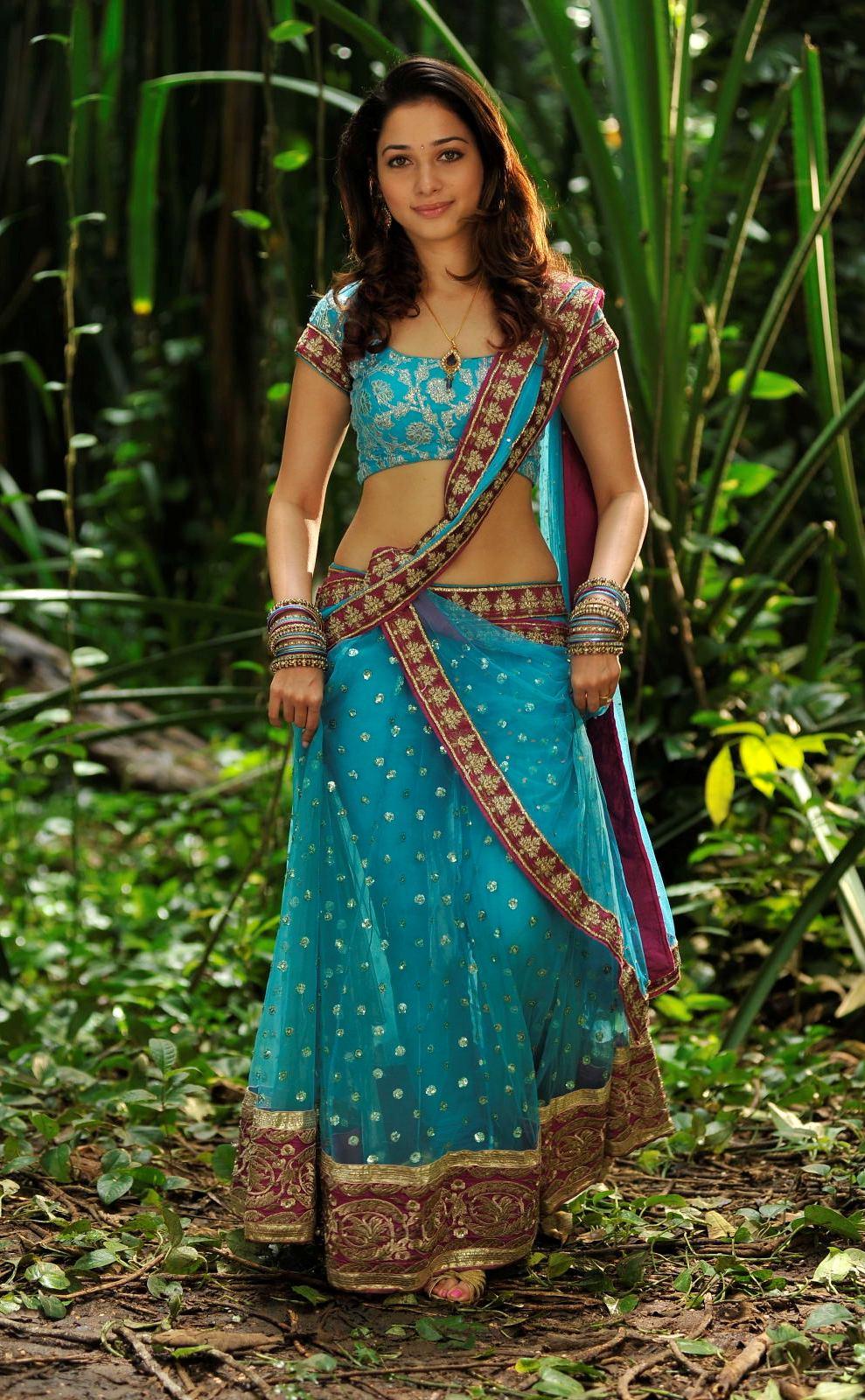 Tamanna Saree Gulte: Tamanna Hot Stills In Half Saree