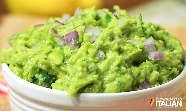 http://www.theslowroasteditalian.com/2013/10/the-best-ever-guacamole-copycat-chipotle-restaurant-recipe.html