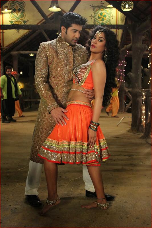 Bollywood Hot Desi Actress Mumaith Khan Navel Show Photos -1054
