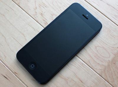 Thay mặt kính iPhone 5 uy tín tại Hà Nội