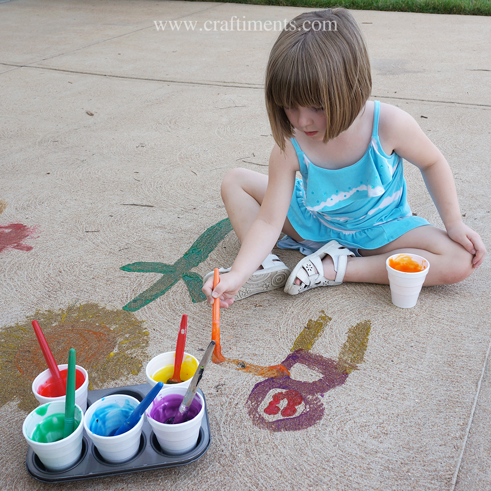 Sidewalk gel paint is easy to make from three ingredients.