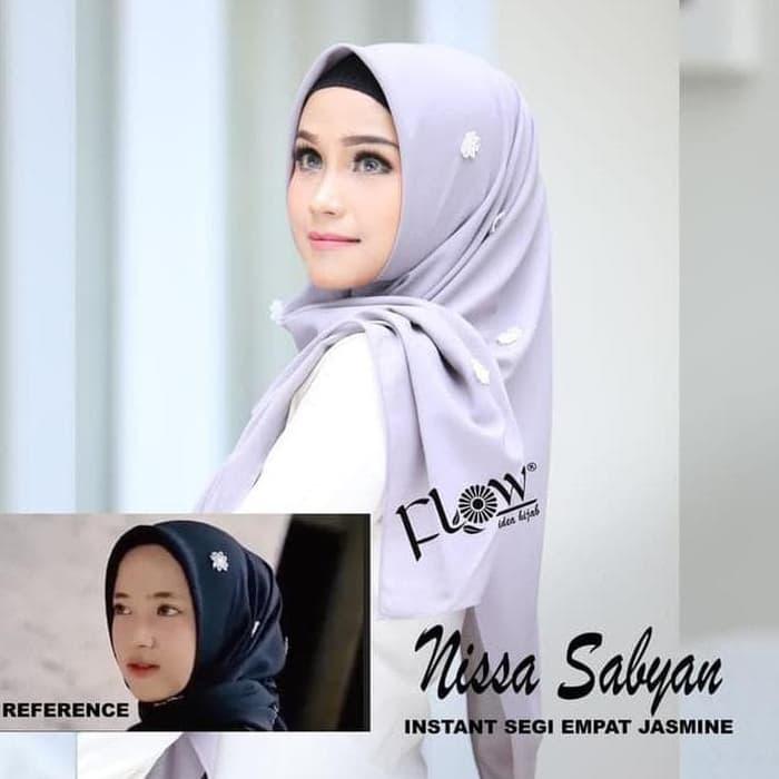 Jilbab Terbaru Segiempat Nissa Sabyan Jasmine Instan By Flow Warna Abu Abu Muda