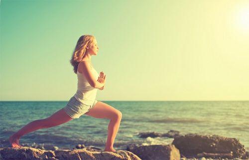 Tập Yoga thải độc tố giúp da đẹp