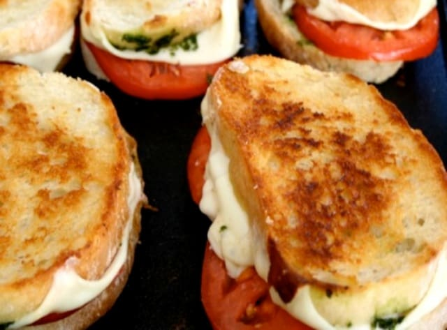 fresh mozzarella tomato pesto sandwich recipe