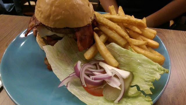 【台北文山美食】Aniki Burger 阿尼基美式餐廳(萬芳店)