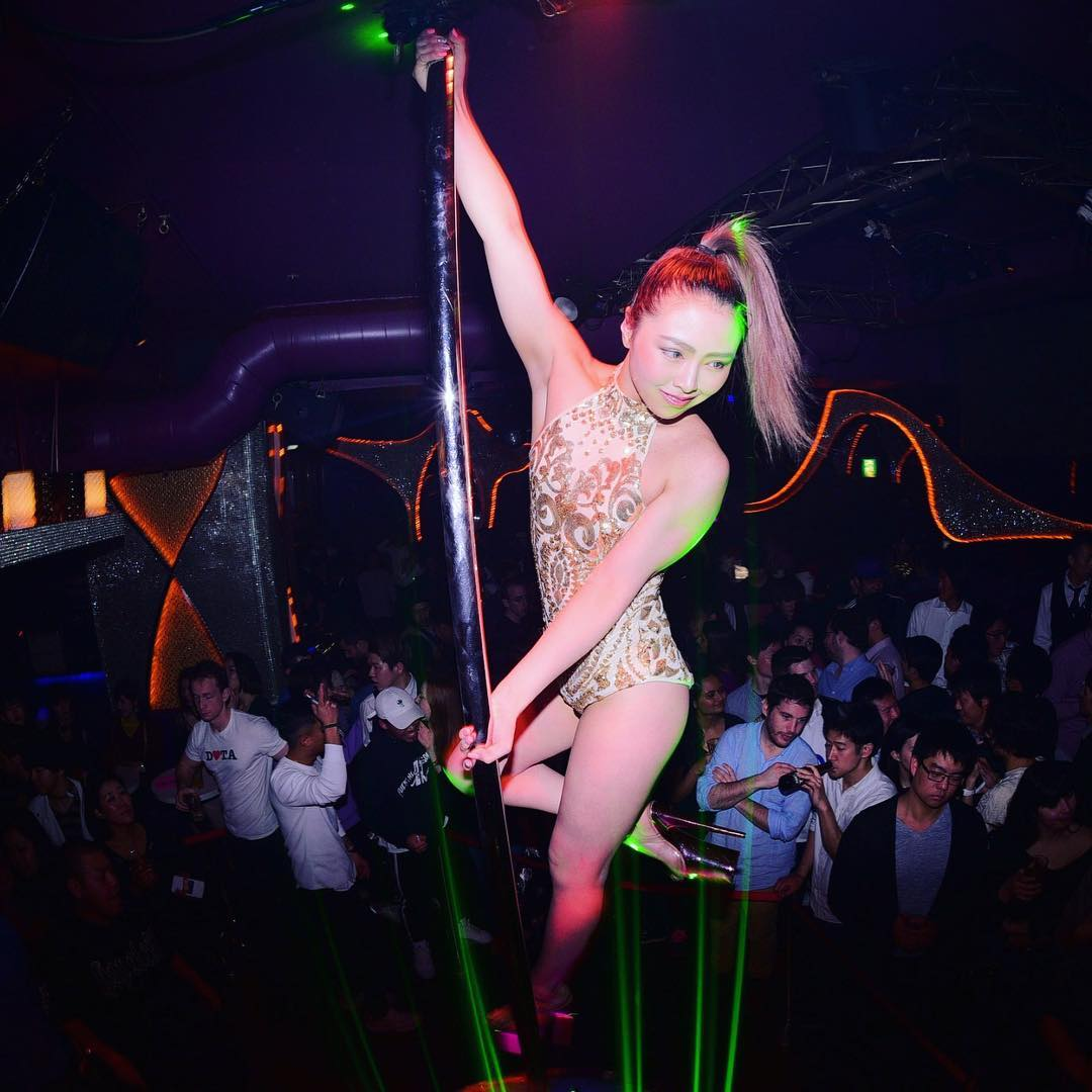 asian-video-best-club-kabukicho-strip