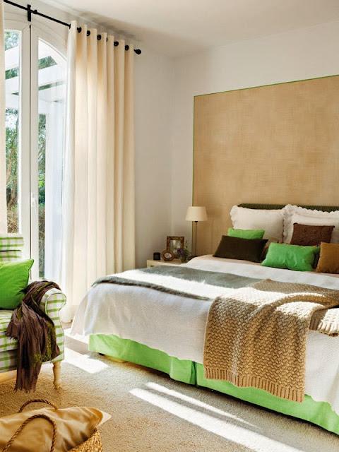 dormitor in maro si verde