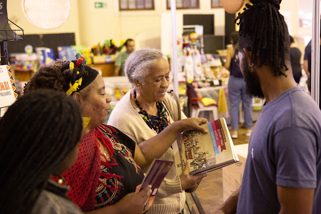 Flipoços quebra recorde de público com 90 mil visitantes e R$ 2,2 milhões em vendas de livros