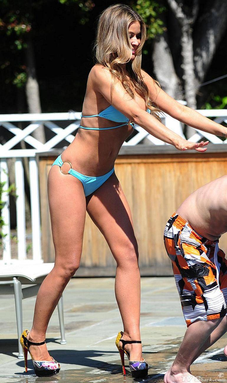 Bd Media 24 Carmen Electra Bikini Pool Hot  Sexy Style -2468