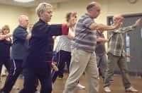 Malati di Parkinson che praticano il tai chi chuan