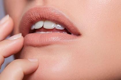 Ternyata Perempuan Indonesia Suka Lipstik Warna Alami Bibir