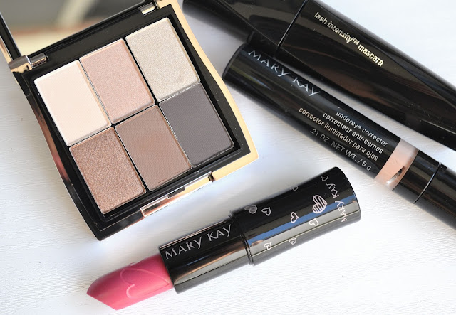 Mary Kay Natural Essentials Eyeshadow Set Review with Swatches