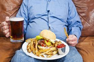 Banyak Makan Ternyata Picu Maag Kambuh