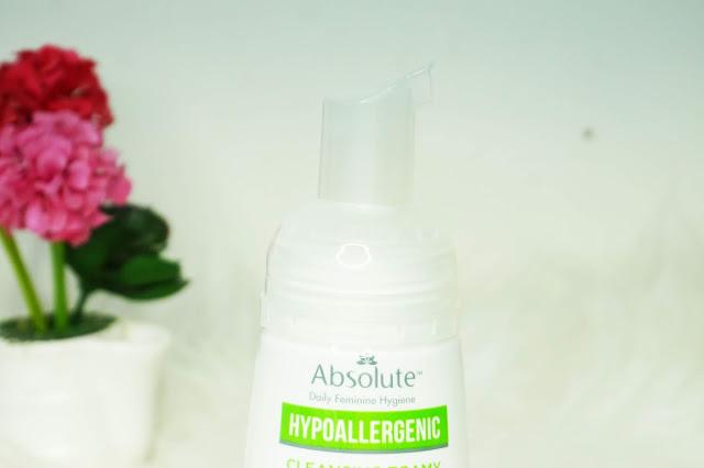 Menjaga Kebersihan Area Kewanitaan Menggunakan Absolute Hypoallergenic