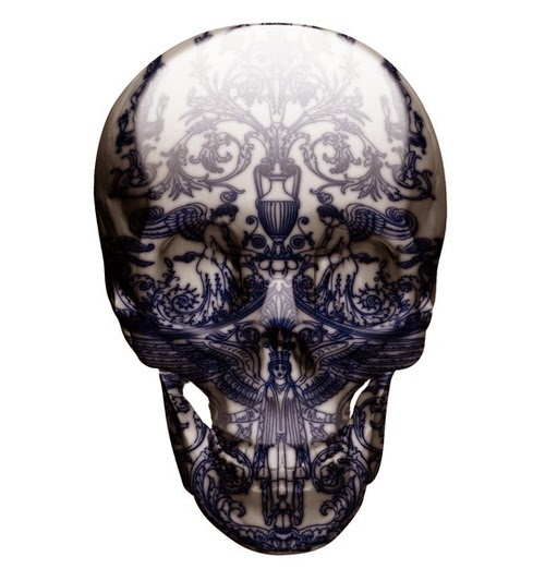 03-Delft-Skull-Descent-Of-An-Angel-Delft-Porcelain-British-Artist-Magnus-Gjoen-www-designstack-co
