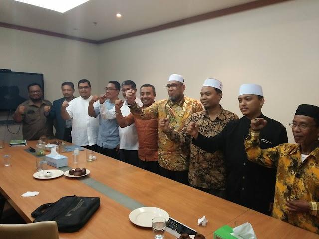 Terancam Dibubarkan, HTI Minta Dukungan PKS