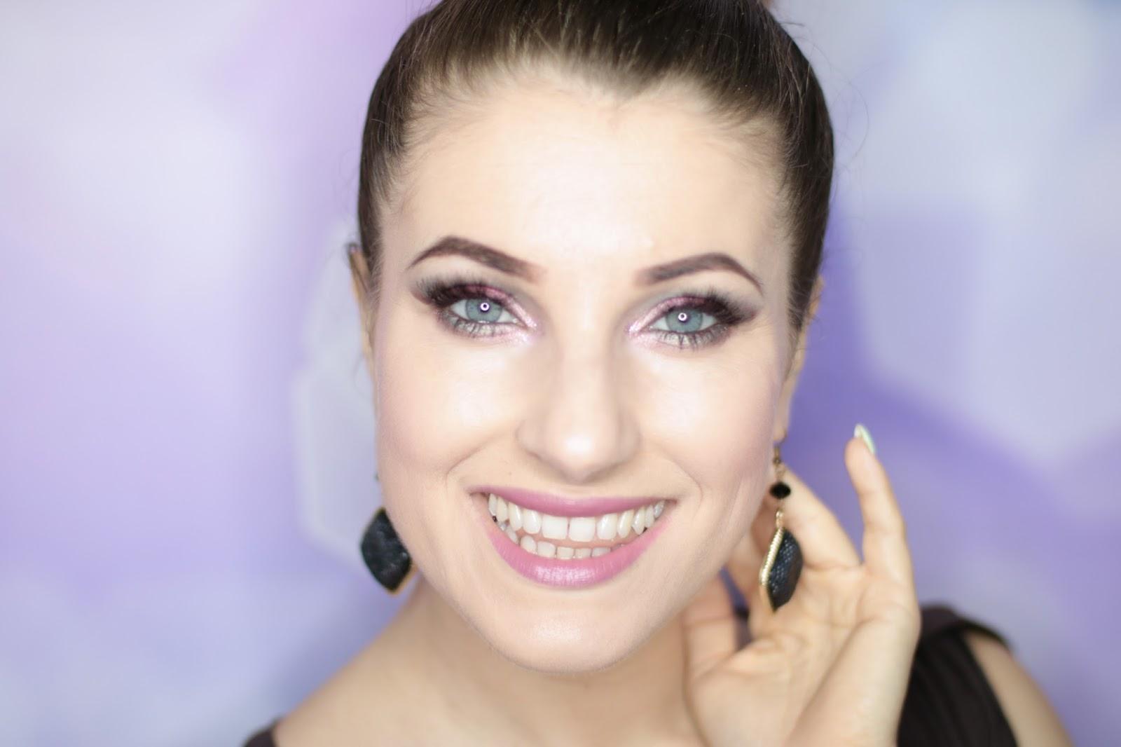 Xmas makup - Propozycja makijażu na święta w wersji dark
