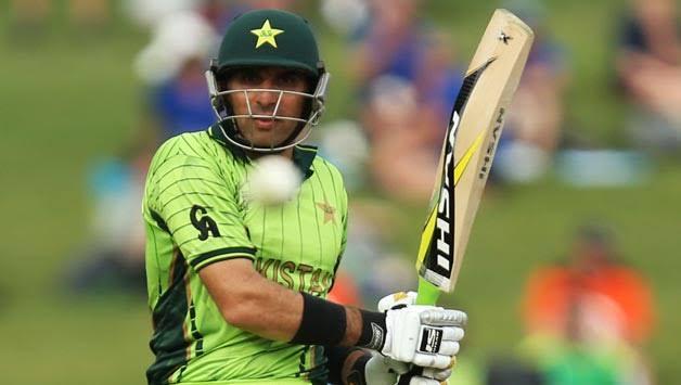 पाकिस्तान के पूर्व कप्तान और दिग्गज बल्लेबाज मिस्बाह उल हक ने वनडे अंतरराष्ट्रीय क्रिकेट में बिना शतक ठोके सबसे अधिक रन बनाने का रिकॉर्ड अपने नाम दर्ज किया हैं।
