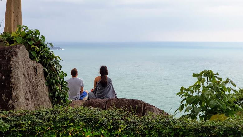 遠望太平洋與冥想