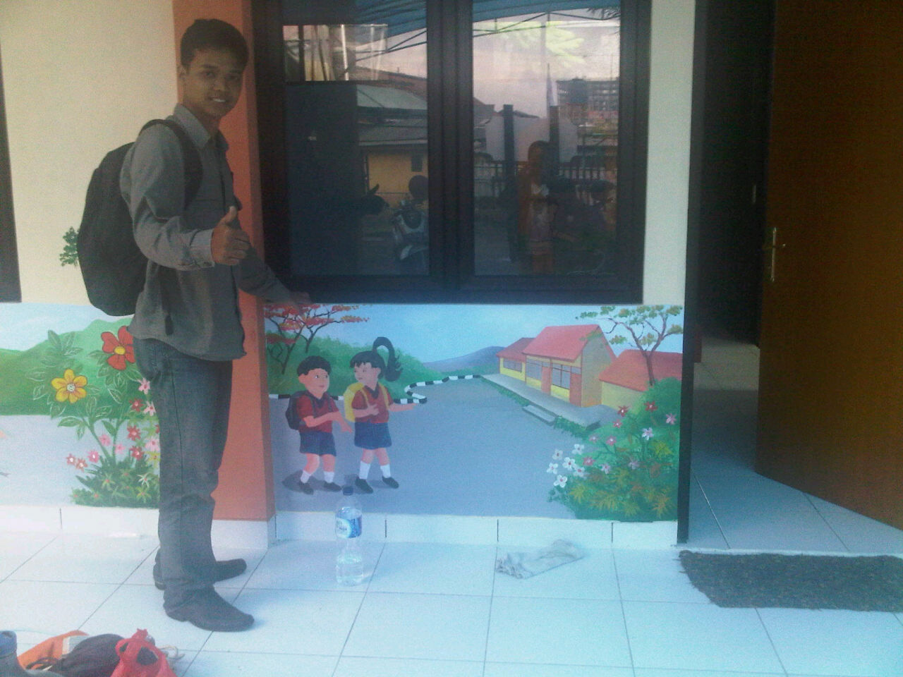 Mural painting tema lingkungan for Mural hitam putih