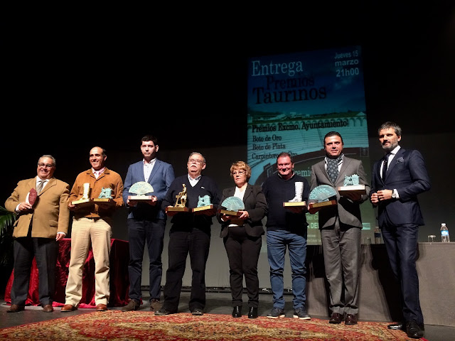 http://www.esvalverde.com/2018/03/entrega-premios-taurinos-feria-2017.html