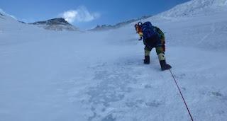 El dominicano Karim Mella corona por segunda vez el Monte Everest