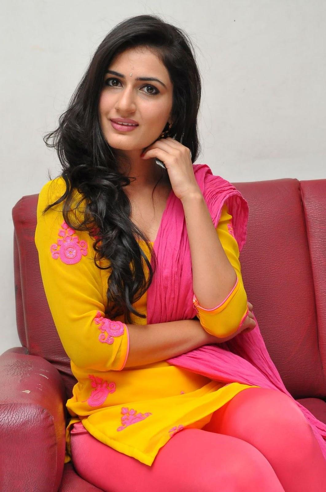 Actress Sana Photos  Telugu Heroine-3472